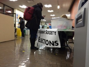 A student voting at the recent Camosun College Student Society elections at Lansdowne campus (photo by Greg Pratt/Nexus).